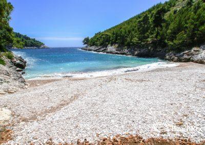 Playa Bratinja, Žrnovo